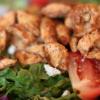 Салат с курицей, шпинатом и сельдереем