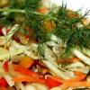 Салат из капусты с морковью и проростками