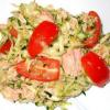 Салат из помидоров, кабачков цуккини и тунца