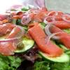Салат из лосося с огурцами