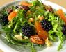 Салат с апельсинами и ежевикой