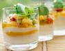 Десерт с фруктами и ягодами