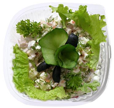 Салат Оливье с зеленью
